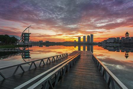 Putrajaya lake with a nice view from watersport jetty Standard-Bild