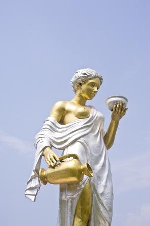 statue roman women photo