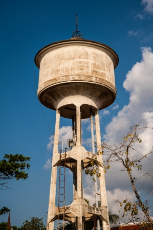 dep�sito agua: tanque de agua