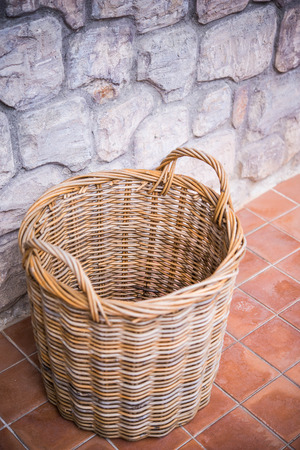 household tasks: Basket in room