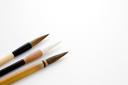 Brosse �crit isol� sur fond blanc