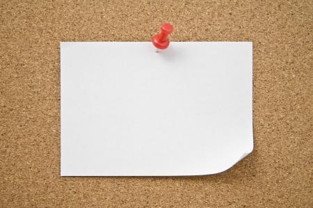 Blank notepad pinned on corkboard, close up  Stock Photo - 16153694