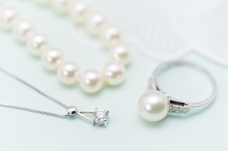Pearl and diamond accessories photo