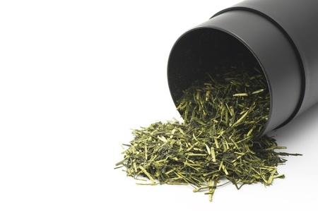 sec de th� vert sur fond blanc