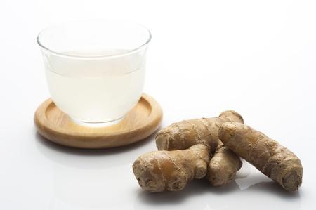 fresh ginger: fresh ginger and tea