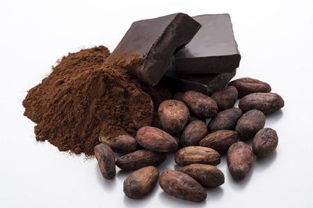 チョコレートおよびココア粉とココア豆