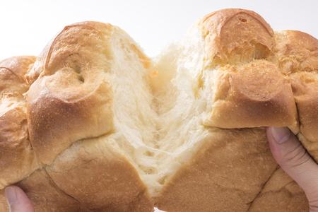 パンの手でカット