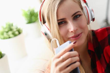 woman listen music headphones dream relax 免版税图像