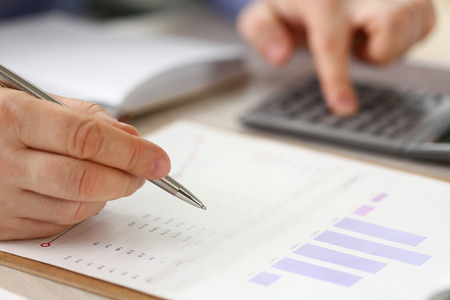 Office Bookkeeper do Formal Finance Accounting Stockfoto