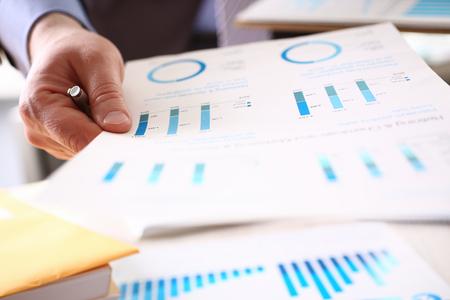 Financial Inspector Calculating Corporation Tax Stockfoto