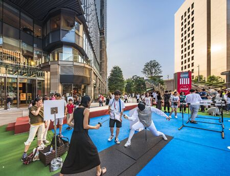 Event for the Tokyo Olympic Games in 2020. Passers-by could test Anyone fencing to rediscover the limits exceeded by athletes. Redactioneel