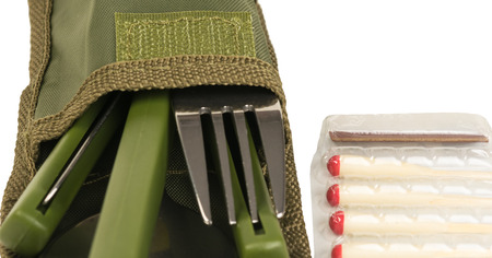 Matches for hunting and folding plug