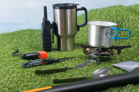 items for cooking and snacking outdoors during extreme vacation Standard-Bild
