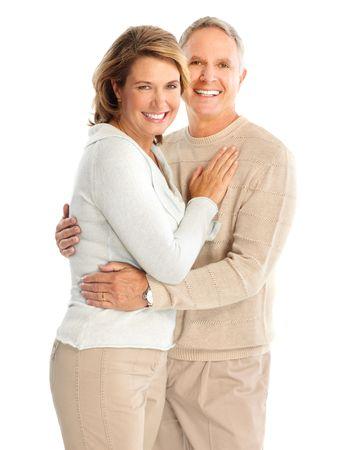 Feliz pareja de ancianos en el amor. Aislado sobre fondo blanco