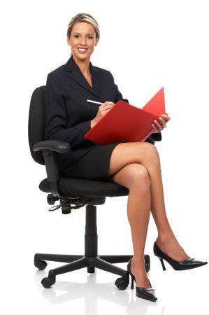 secretaria: Joven sonriente mujer de negocios. Aislado sobre fondo blanco