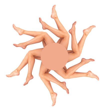 pies sexis: Hermosa mujer piernas. Aisladas m�s de fondo blanco  Foto de archivo