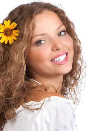 naturel: Smiling  young woman face with perfect  teeth.