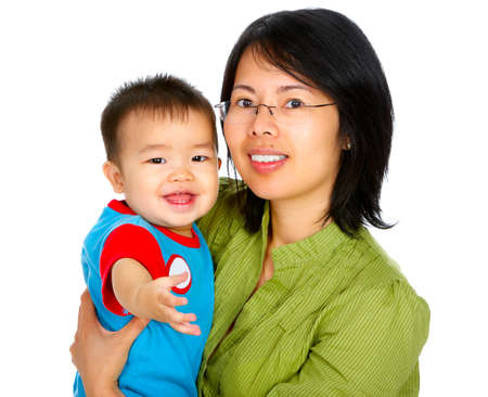 Feliz madre y el bebé. Aislado sobre fondo blanco Foto de archivo - 4108758