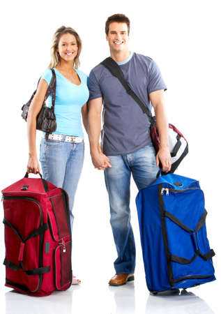 femme avec valise: Happy smiling couple dans l'amour. Plus de fond blanc