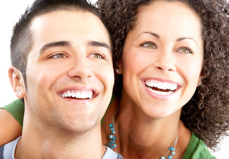 Happy lachende paar in liefde. Over witte achtergrond Stockfoto - 4913653