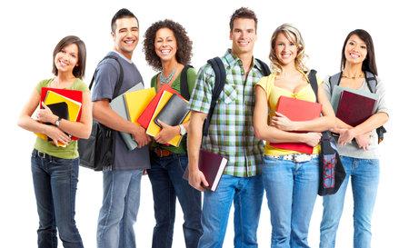 笑みを浮かべて学生の大きいグループ。白い背景の上