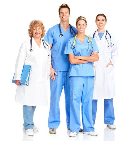 청진 기 함께 웃는 의료 간호사. 흰색 배경 위에 절연