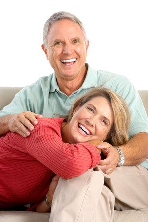 Personas mayores de la feliz pareja de enamorados. Aislados sobre fondo blanco Foto de archivo - 6110114