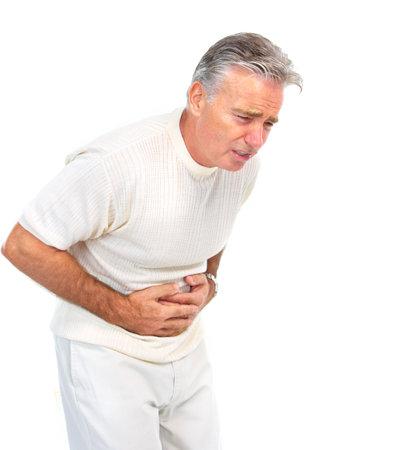 poisoning: Senior uomo anziano aver mal di stomaco. Isolato su sfondo bianco