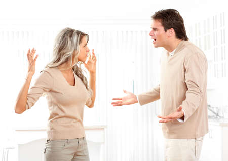 couple fach�: Couple en col�re � la maison.  Banque d'images