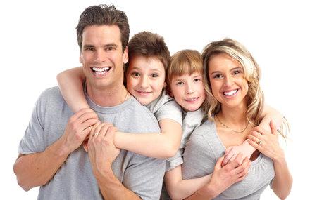 Glückliche Familie. Vater, Mutter und Kinder. Über weißen Hintergrund