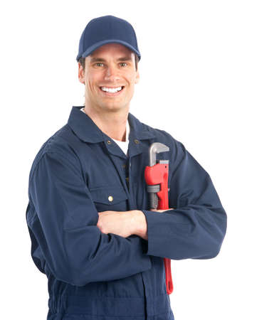fontanero: Fontanero apuesto joven trabajador con llave ajustable. Aislados sobre fondo blanco