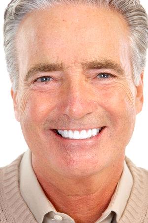Lachende gelukkig oudere man. Geïsoleerd op witte achtergrond Stockfoto