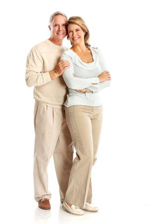 ancianos felices: Pareja de personas mayores de edad feliz en el amor. Aislados sobre fondo blanco  Foto de archivo