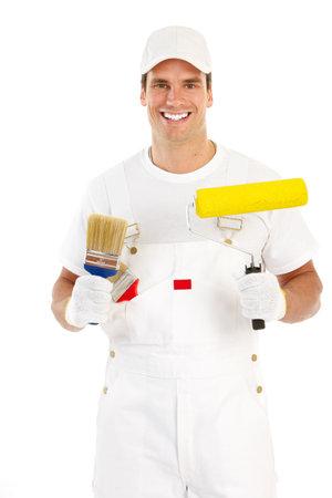 Hombre joven pintor en traje blanco. Aislados sobre fondo blanco