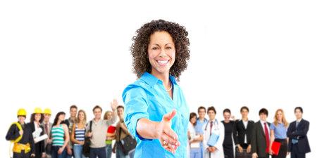 웃는 노동자 사람들의 큰 그룹입니다. 흰색 배경 위에