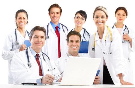 dottore stetoscopio: Sorridenti medici con stetoscopi. Isolato su sfondo bianco