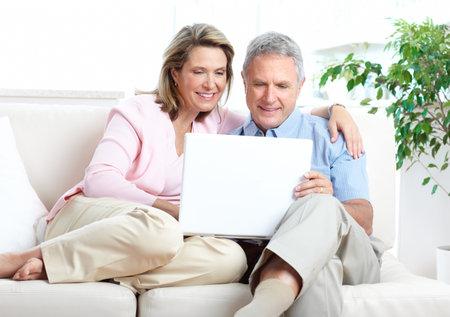 senior ordinateur: Quelques hauts en collaboration avec votre ordinateur portable � la maison