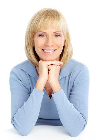 Happy oudere lachende vrouw. Geïsoleerd op witte achtergrond  Stockfoto