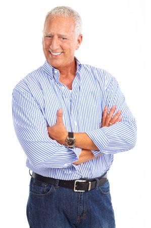 mature adult men: Sorridente uomo anziano felice. Isolato su sfondo bianco