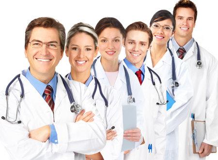 医師は聴診器を持ち歩かなくに笑顔。白い背景の上の分離 写真素材 - 7578630