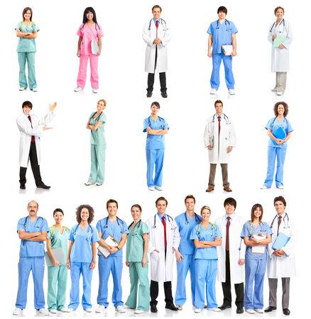 m�decins: Avec st�thoscopes, sourire des m�decins. Isol� sur fond blanc  Banque d'images