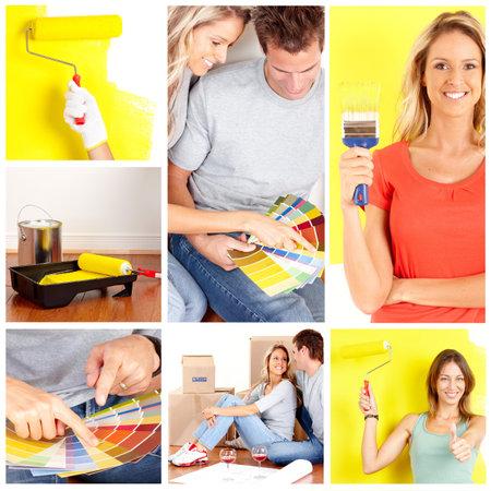 pintora: pareja sonriente elegir el color de la pared interior de la casa.