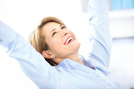 so�ando: Mujer de negocios feliz en la Oficina
