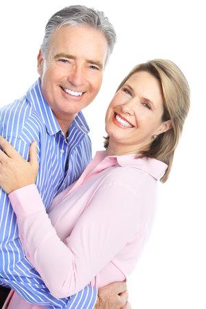 Senioren paar in de liefde. Geïsoleerd op witte achtergrond  Stockfoto