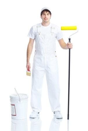 pintora: Hombre joven pintor en traje blanco. Aislados sobre fondo blanco