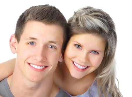 Happy sonriente pareja de enamorados. Sobre fondo blanco Foto de archivo - 8736158