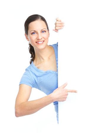donna entusiasta: Giovane donna felice detiene un cartello bianco  Archivio Fotografico