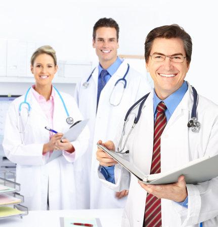 oefenen: Medische artsen die werkzaam zijn in het kantoor