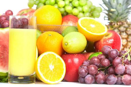 Groenten en fruit. Appel, sinaasappel, pruim, citroen, watermeloen, peer