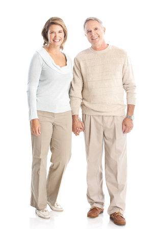ancianos felices: Las personas mayores de edad feliz pareja de enamorados. Aislados sobre fondo blanco